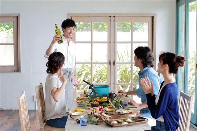 ワインやゴルフ、料理教室も!趣味のダブルスクールで自然に出会える!『スク婚』の魅力