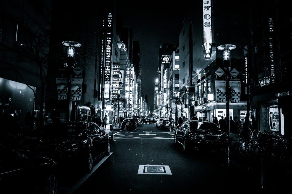 夜の銀座で街コンに参加